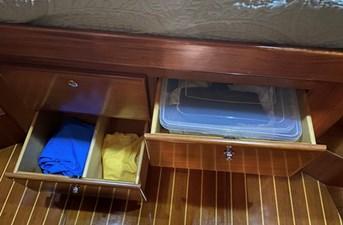 Apres Sail 63 235 Master Storage
