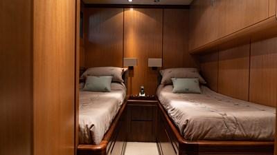 BRAVO DELTA 12 Twin cabin