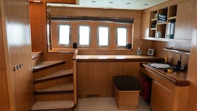 BRAVO DELTA 17 Desk Lower Deck