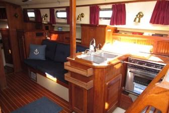 Galley & Starboard salon