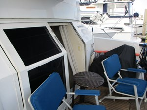 11. Carver 500 Aft Master Cockpit Entrance