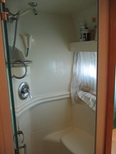 46. Carver 500 Aft Master Stateroom Shower