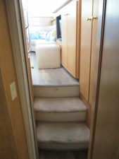48. Carver 500 Aft Master Stateroom View Forward