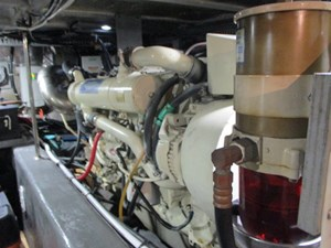 56. Carver 500 Port Engine