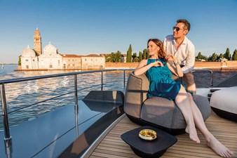 Ferretti Yachts 670 33 FerrettiYachts670Sundeck_0000_32825
