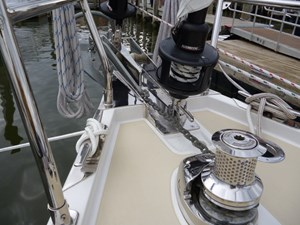 Double bow roller and windlass
