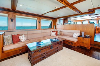 Barbara Sue II 4 3_2777536_2015_outer_reef_yachts_82_cpmy_barbara_sue_ii_salon