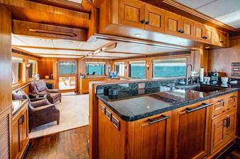 Barbara Sue II 7 6_2777536_2015_outer_reef_yachts_82_cpmy_barbara_sue_ii_salon_galley