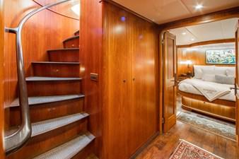 Barbara Sue II 30 33_2777536_2015_outer_reef_yachts_82_cpmy_barbara_sue_ii_companionway