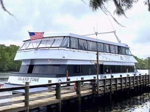 90-ft Freeport 150 Passenger