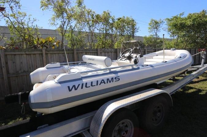 2_2018 17ft Williams Sportjet 520 Tender