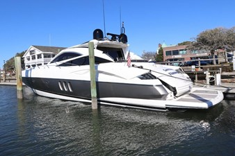 3_2004 68ft Sunseeker Predator SECOND THOUGHTS