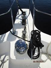5_2777789_44_carver_anchor_windlass