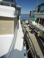 10_2777789_44_carver_port_side_deck2