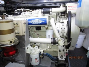 56_2777789_44_carver_port_main_engine