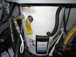 60_2777789_44_carver_water_heater