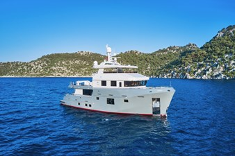 Bering B77 10 Bering B77 Explorer Yacht