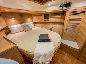 Bluewater 56 18 Forward Cabin BW56