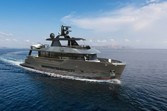 Bering B85 0 Bering B 85 explorer yacht