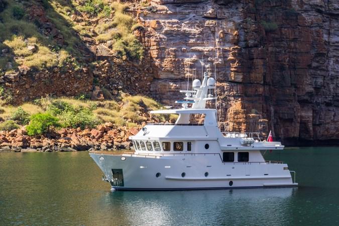 Bering B65 Explorer Yacht