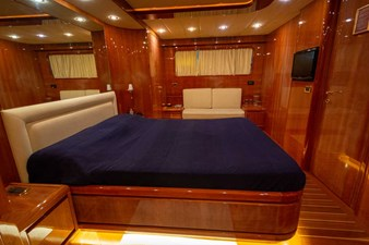 Ariston-Five-owner-stateroom