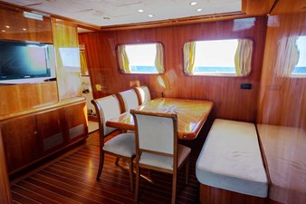 Ariston-Five-yacht-interior