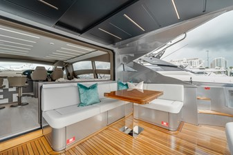 Aft Deck ( table folded )