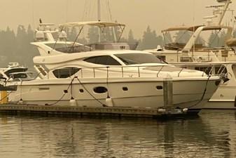 2006 Ferretti Yachts 550 1 1