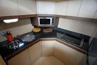 2006 Ferretti Yachts 550 22 22