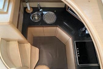 2006 Ferretti Yachts 550 23 23