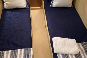 2006 Ferretti Yachts 550 34 34