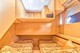 2006 Ferretti Yachts 550 39 39