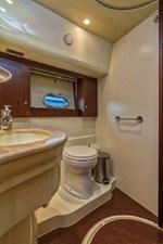 2006 Ferretti Yachts 550 44 44