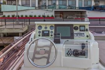 2006 Ferretti Yachts 550 49 49