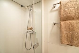 NOSTROMO 21 Interior - Owner's Shower
