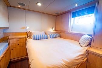 NOSTROMO 22 Interior - Double Guest Cabin