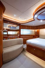 My Medicine 36 37_2005 82ft SUnseeker Yacht MY MEDICINE