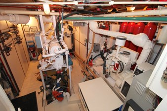 OUTWARD BOUND 25 022_OUTWARD BOUND_Engine Room_IMG_9770