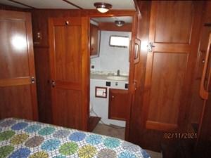 Lioness 45 44_2777975_49_defever_master_stateroom_starboard