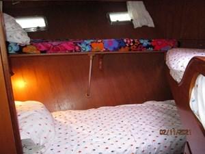 Lioness 51 50_2777975_49_defever_guest_stateroom_port