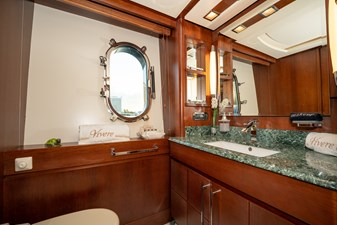 VIVERE 18 Queen Guest Stateroom Bath (Port side)