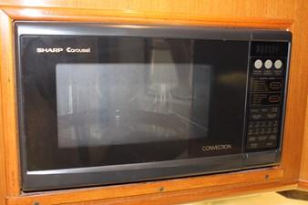 QUALITY TIME 56 Eye-level microwave