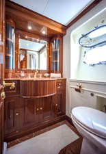 AQUABELLA 20 VIP BATHROOM