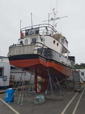 Elizabeth Ruth 21 Starboard Stern Hull - Haul Out