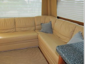 Very comfortable and stylish layout