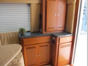 Accessory Panel and Refrigerator
