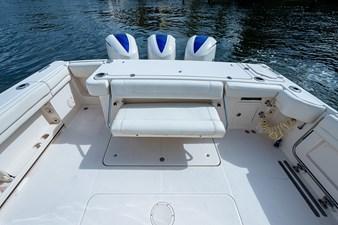 Blue Devis 15 33_grady_white_blue_devil_sportfishing_cockpit3 - Copy