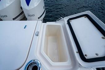 Blue Devis 17 33_grady_white_blue_devil_sportfishing_cockpit11