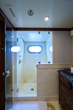 Aft Starboard Guest Stateroom Head