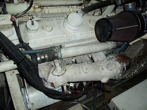 SEA HAWK 33 Starboard Engine